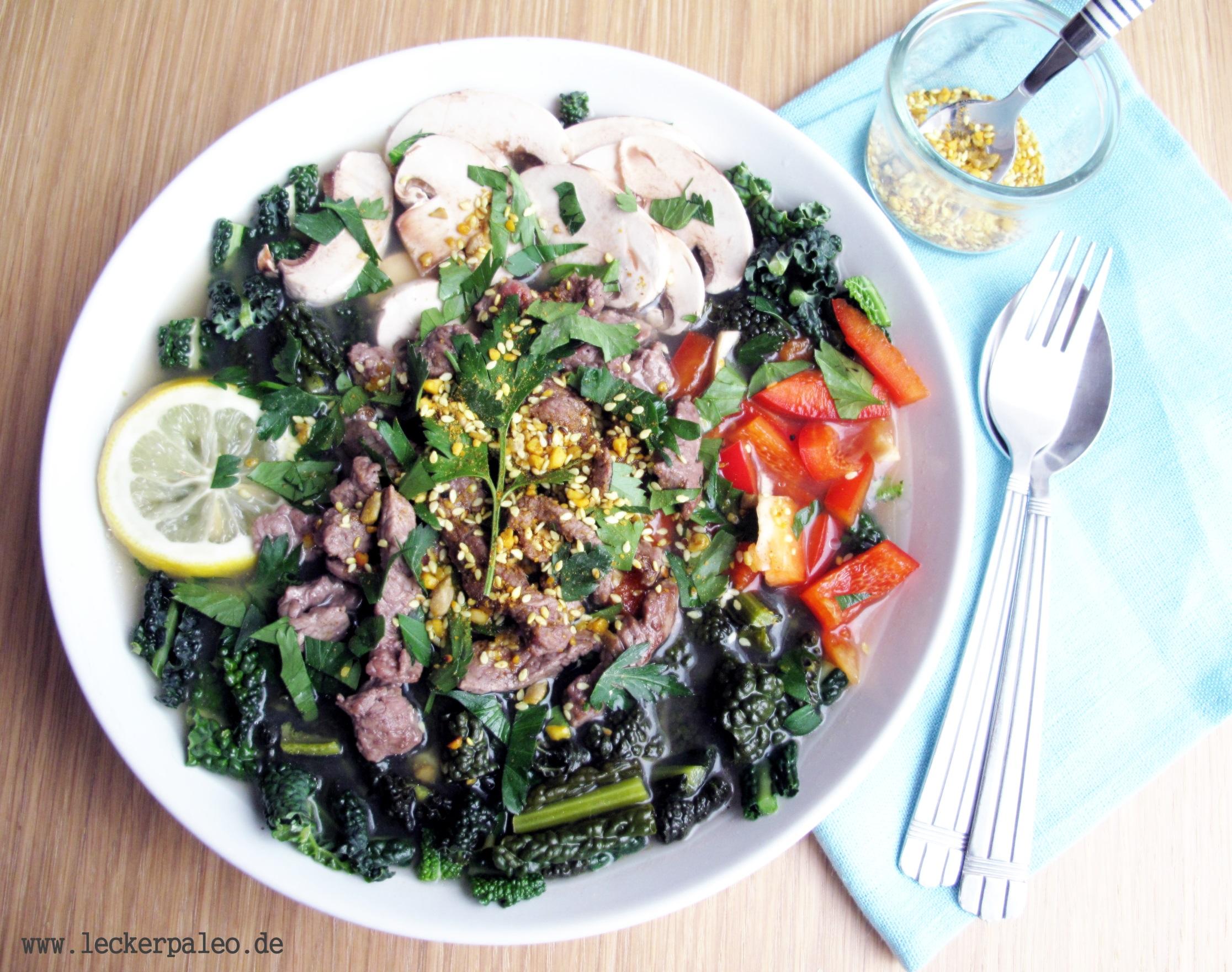 Wärmende und gesunde Gemüsesuppe mit Rinderbrühe, ideal wenn's schnell gehen muss.